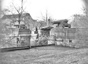 The Blue Bridge with cannons still installed, 1930's