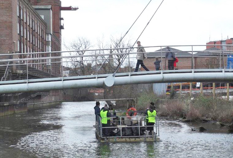 The Foss barge goes under the Hungate bridge